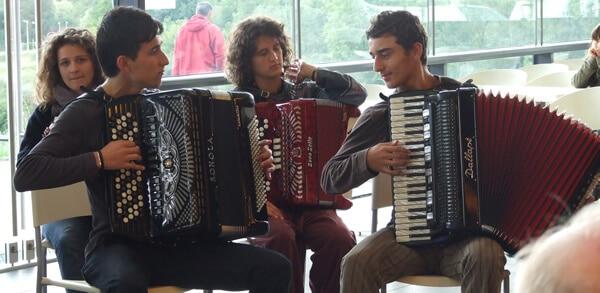 15/08/2010 : Concert de musique des Balkans au Mémorial.